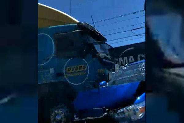 Article image for Four people injured in Westgate Bridge crash