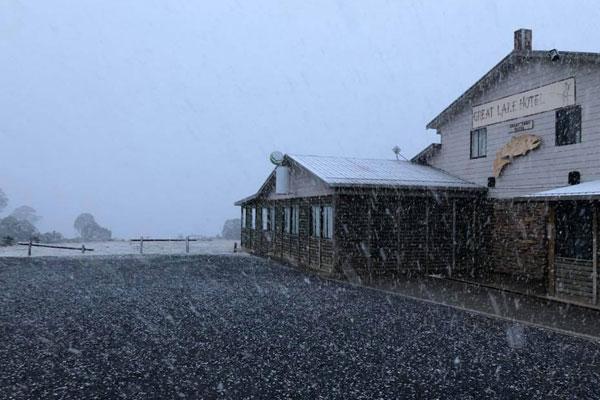 Article image for Summer in Australia… snow in Tasmania