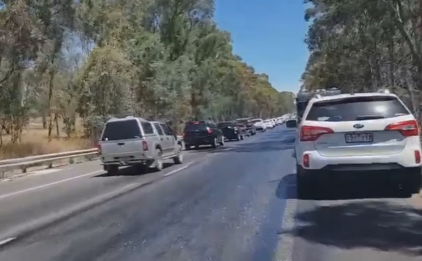 Article image for Stretch of Hume Freeway MELTING due to heat