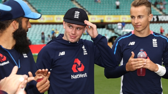 Article image for England to bat first as Crane makes Test debut in Sydney