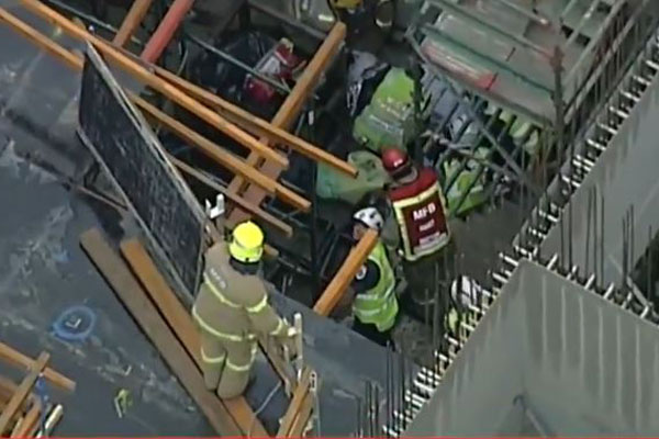 Article image for Rescue operation underway after tradesman falls off scaffolding in North Fitzroy