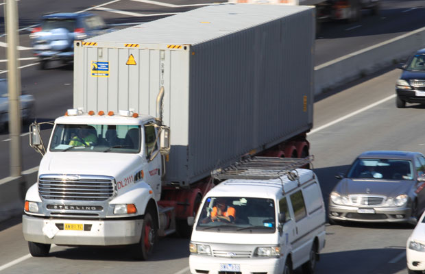Article image for Trucks banned from right-hand lanes on Monash