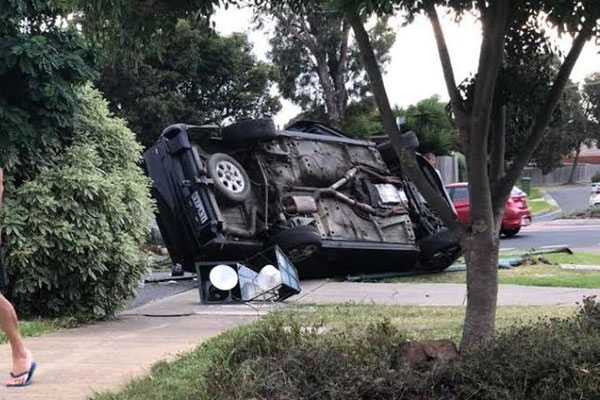 Article image for Two on the run in a stolen car after ramming cop car in Cranbourne