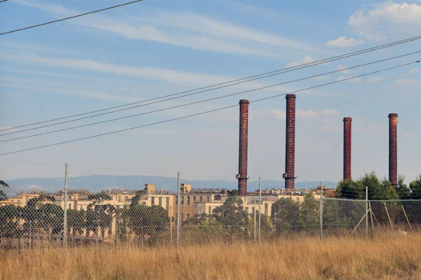 Article image for Asbestos Council calls for 'rotting' power station to be demolished