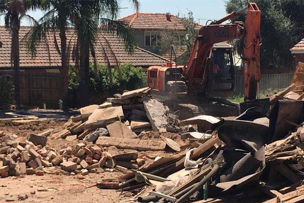 Article image for Former home of underworld figure Des 'Tuppence' Moran demolished