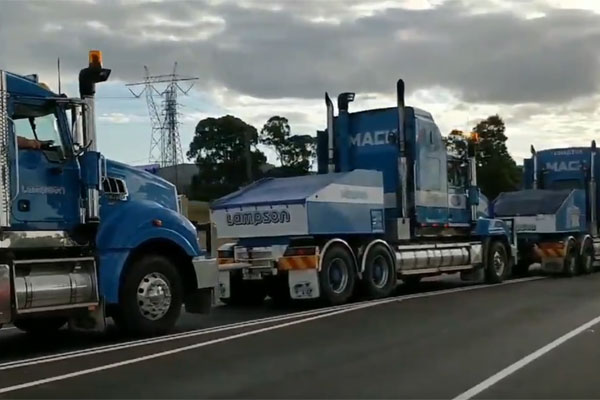 Article image for 650-tonne convoy begins slow journey from Gippsland to city