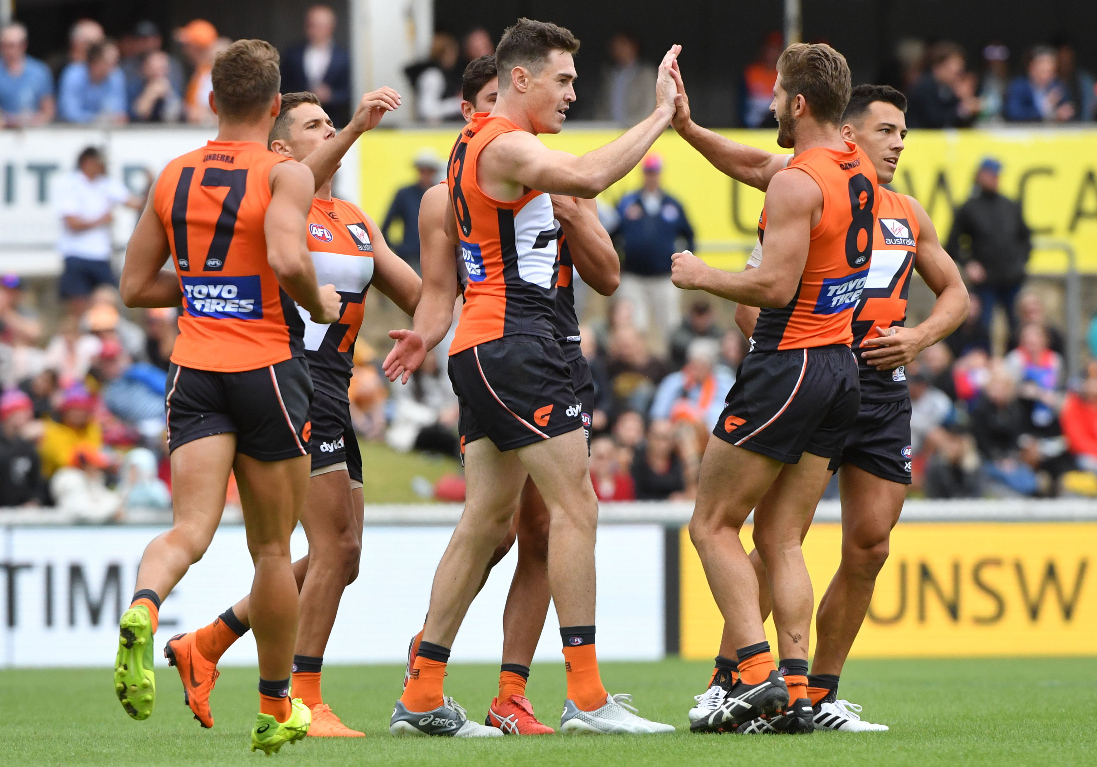 Article image for Giants out gun gallant Pies in bruising MCG clash