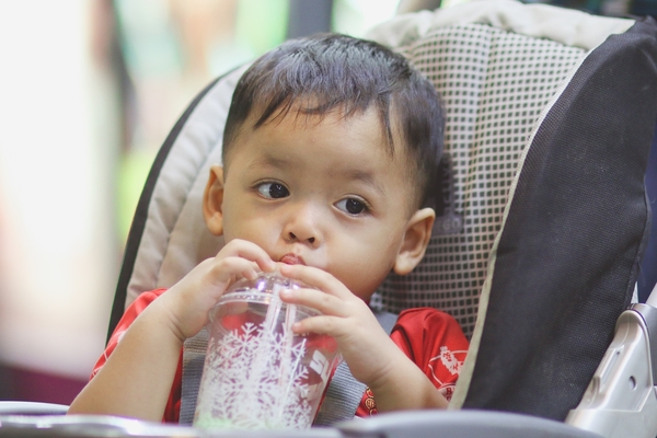 Article image for Half of babies from poor families are given sugary drinks before their first birthday