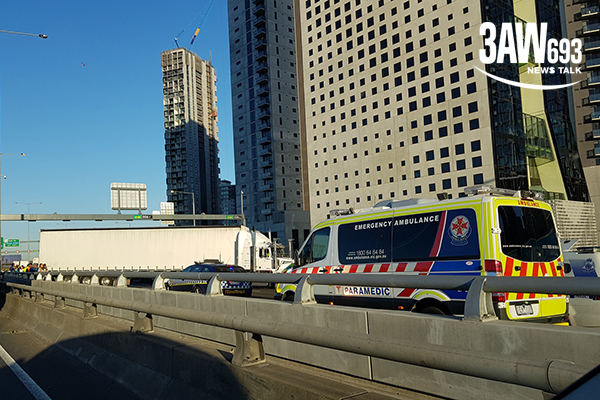 Article image for West Gate shut down: Truck spin causes traffic chaos