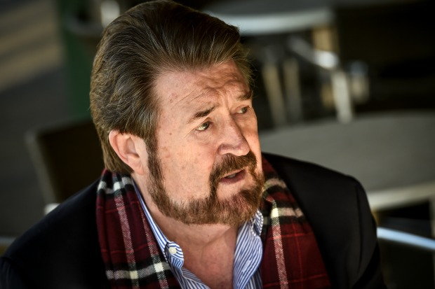 Article image for 'I will vote for them with no strings attached': Hinch to back income tax cuts