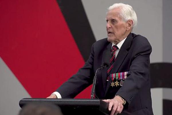 Article image for World War II veteran and Essendon legend Jack Jones inspires AFL players