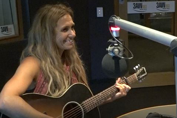 Article image for Kasey Chambers and her dad Bill perform in the studio