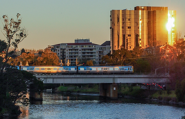 Article image for Our April sun: Weather to turn after another warm Melbourne start