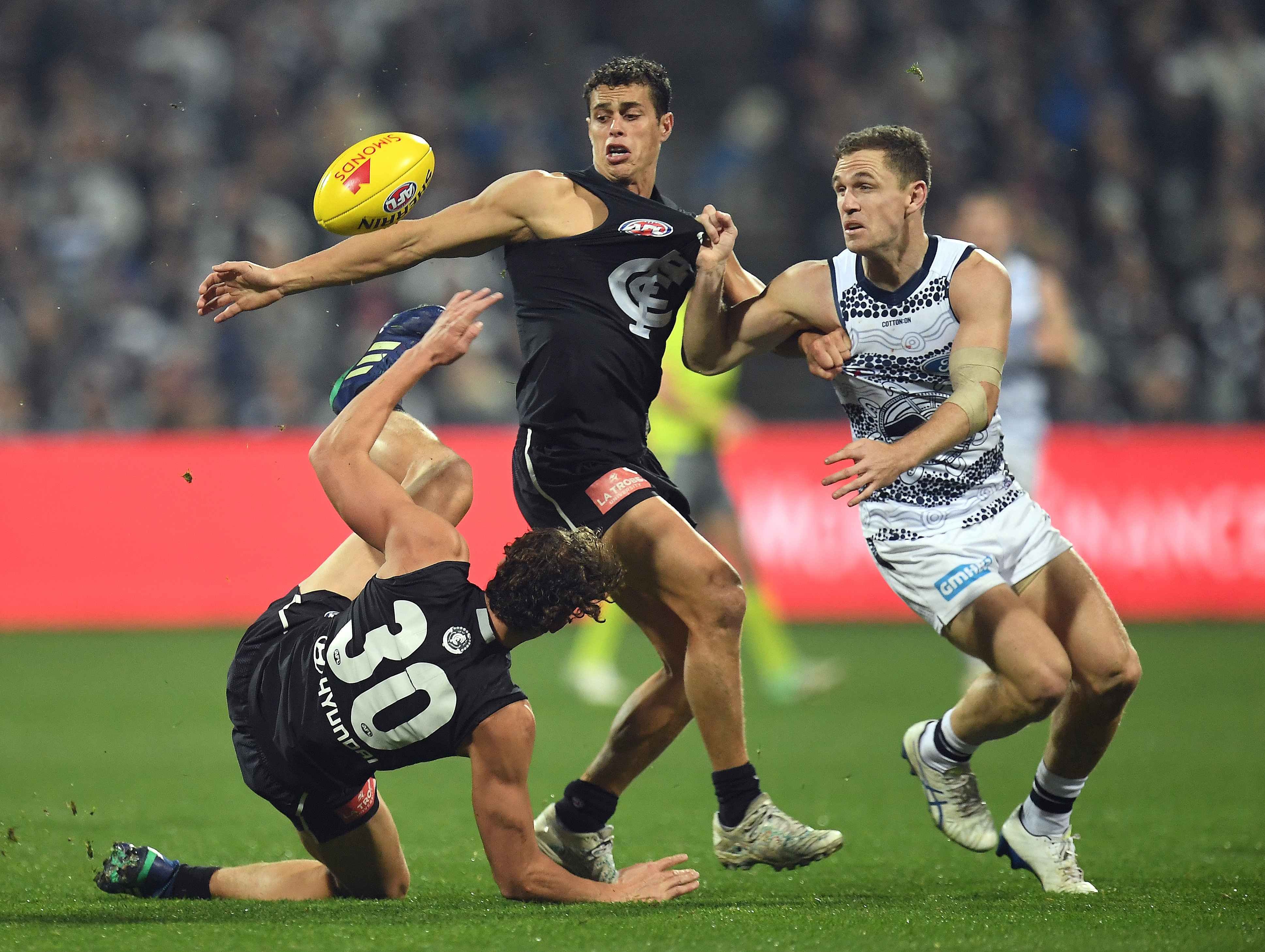 Article image for Cats celebrate their skipper's birthday with victory over Carlton