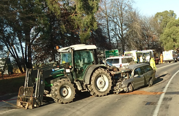 Article image for Station wagon slams into tractor in nasty smash