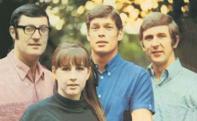 Article image for Judith Durham from The Seekers' fame shares memories with Denis Walter