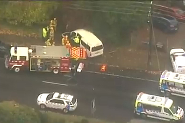 Article image for Driver trapped after bus crash in Melbourne's outer-east