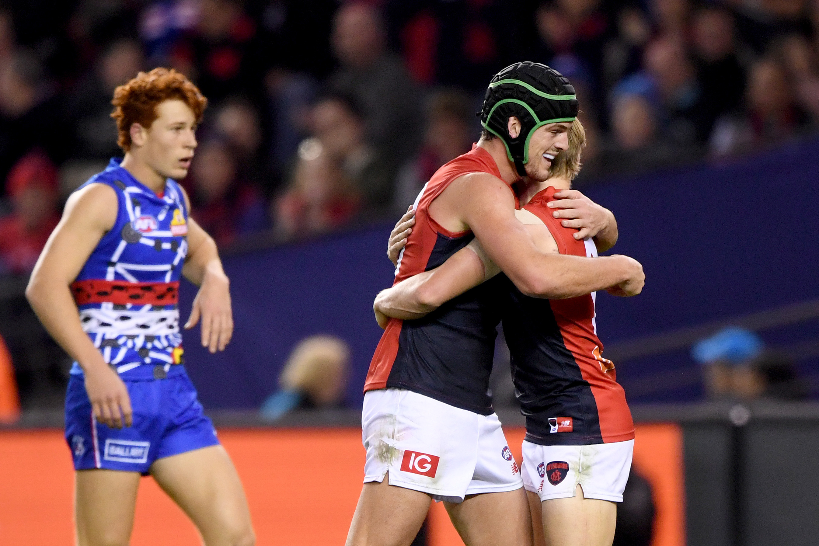 Article image for Melbourne makes it six in a row with a big win over the Bulldogs