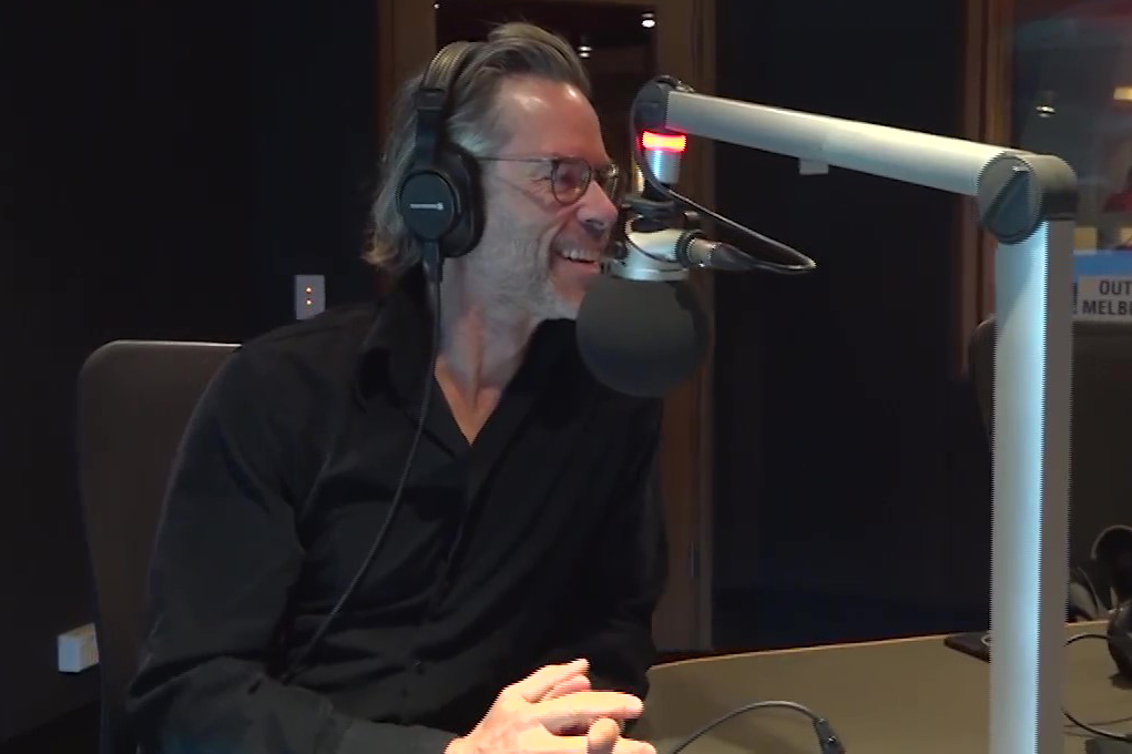 Article image for Guy Pearce joins Denis Walter ahead of his new album launch