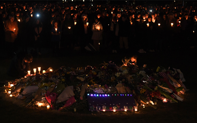 Article image for For Eurydice: Thousands gather in Princes Park for emotional tribute