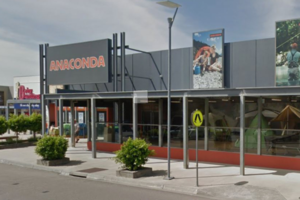 Article image for Car smashes through front doors in Frankston Anaconda store robbery
