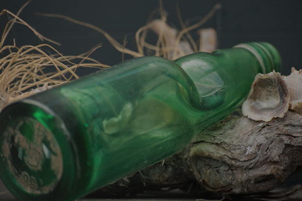 Article image for Bottle of beer found in wreckage of ship at Point Lonsdale to be sent home after 150 years