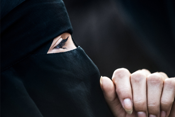 Article image for 'I don't think it brings disorder to the gallery': Islamic Council defends woman's right to wear niqab