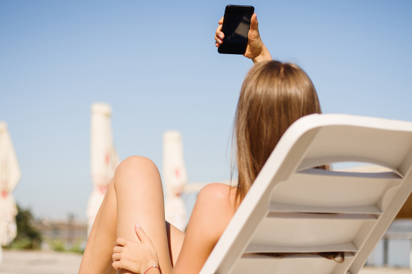"""Article image for The """"Art of Safe Sexting"""" teaching kids how to safely send 'sexy' photos"""