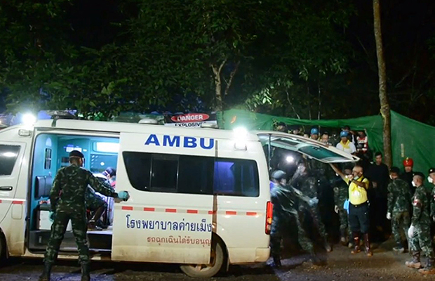 Article image for Praise for 'extraordinary' Aussie doctor's role in Thai rescue mission