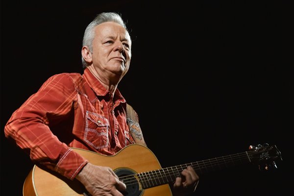 Article image for Legendary guitarist Tommy Emmanuel opens up about the death of his brother Phil