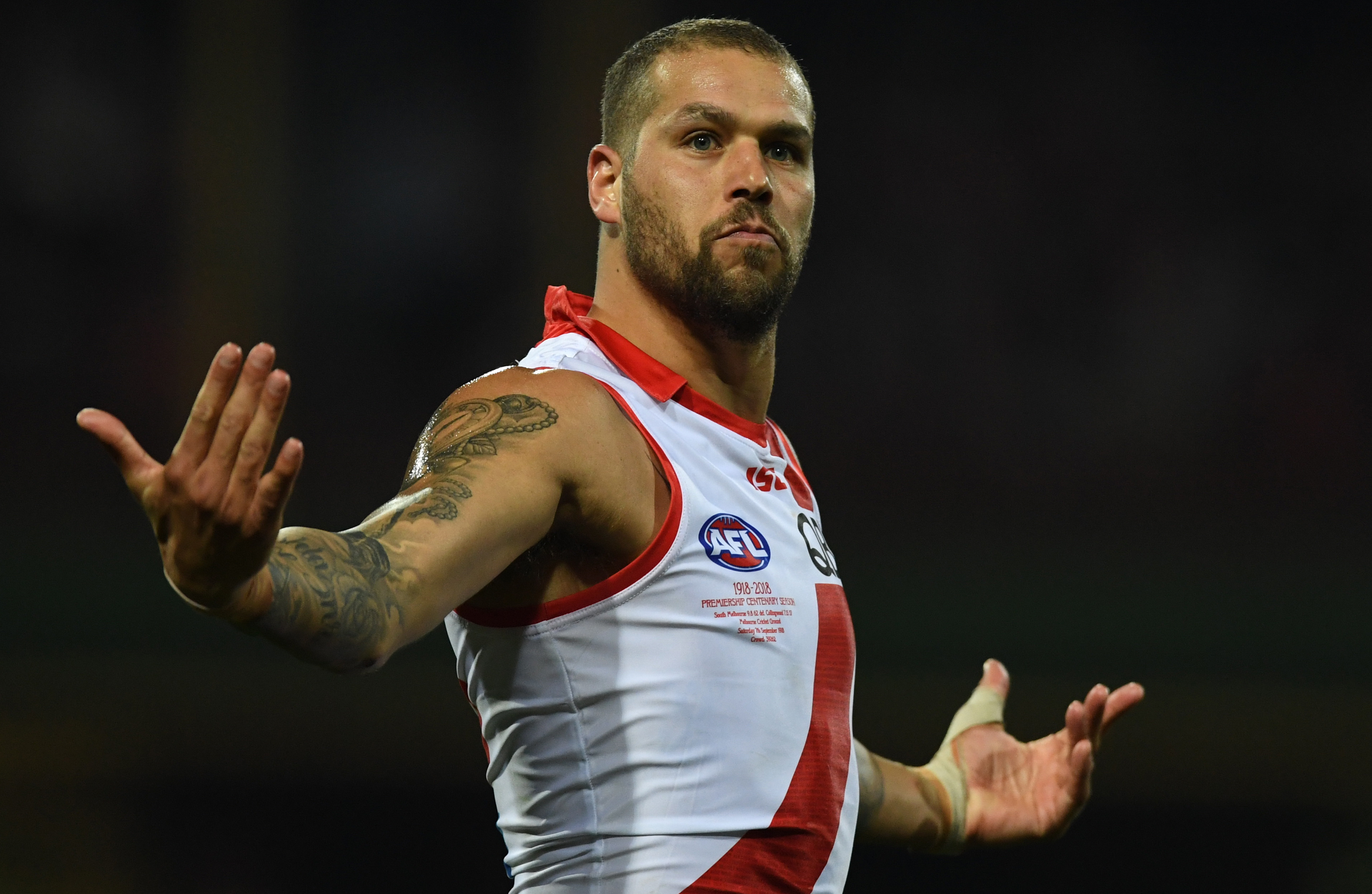 Article image for Swans snatch a thriller over Collingwood