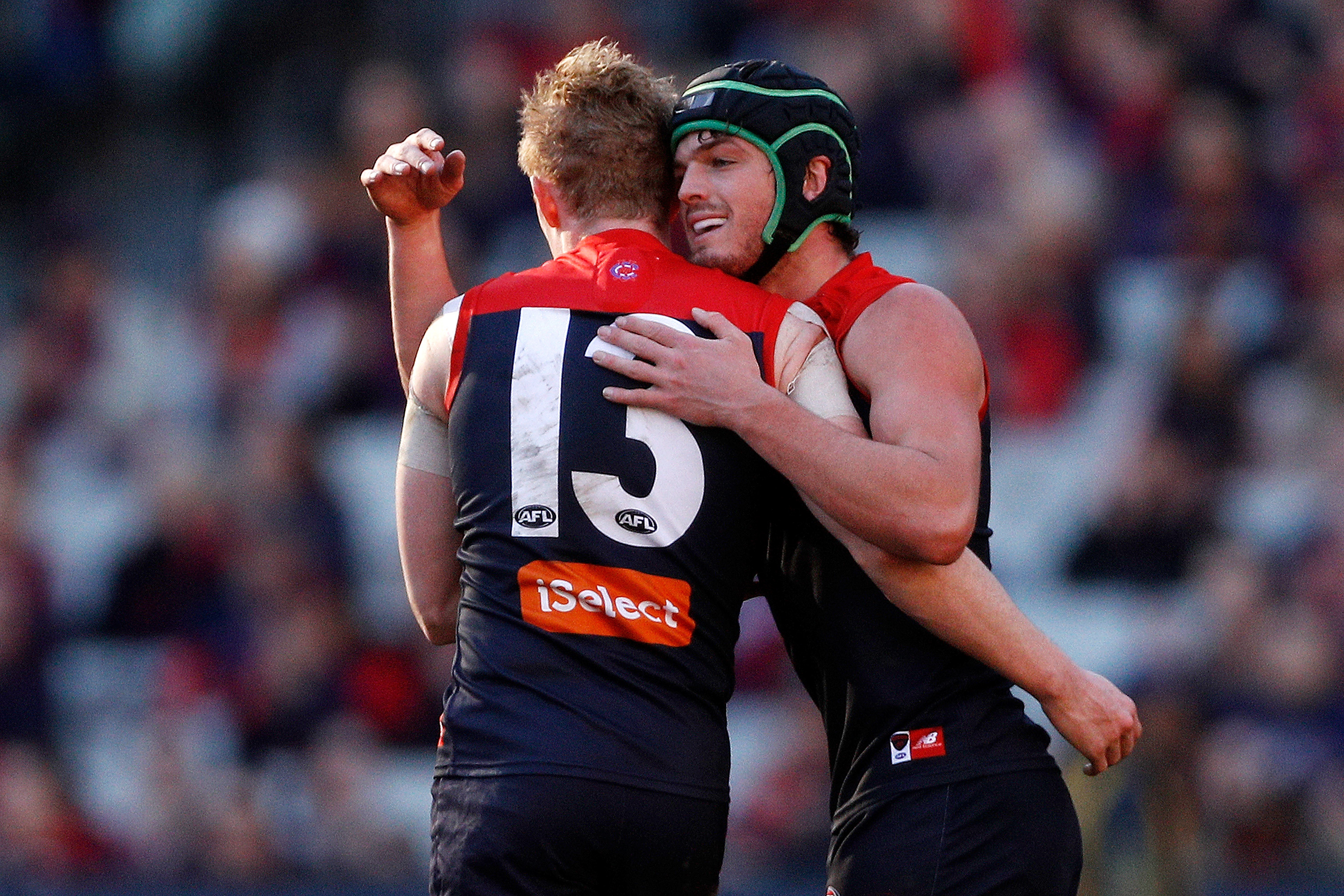 Article image for Melbourne dee-molish the Suns by 16 goals at the MCG