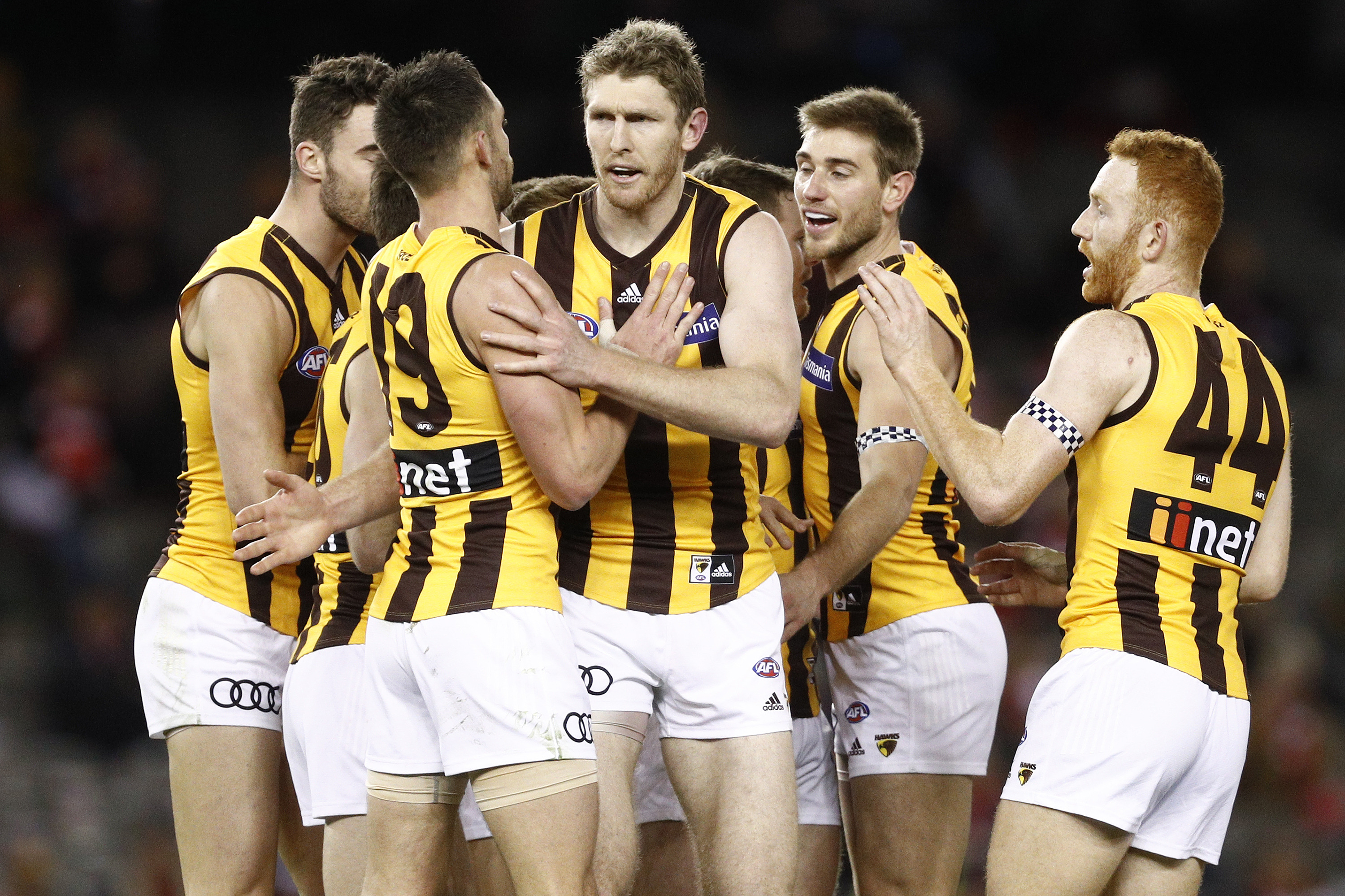 Article image for Hawthorn survives a Saint scare to slip back into the top four