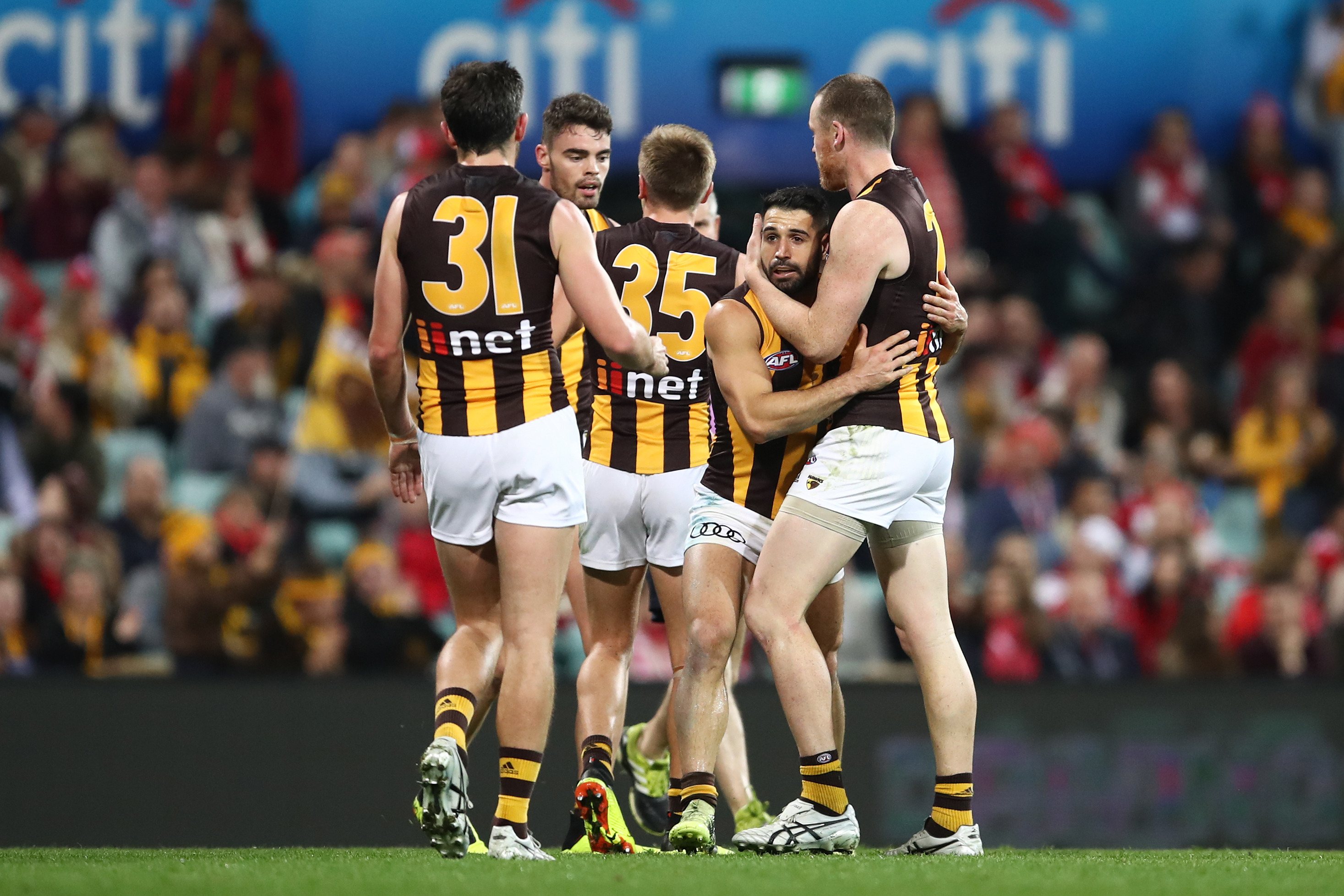 Article image for Hawthorn secure Top 4 berth with victory over Sydney