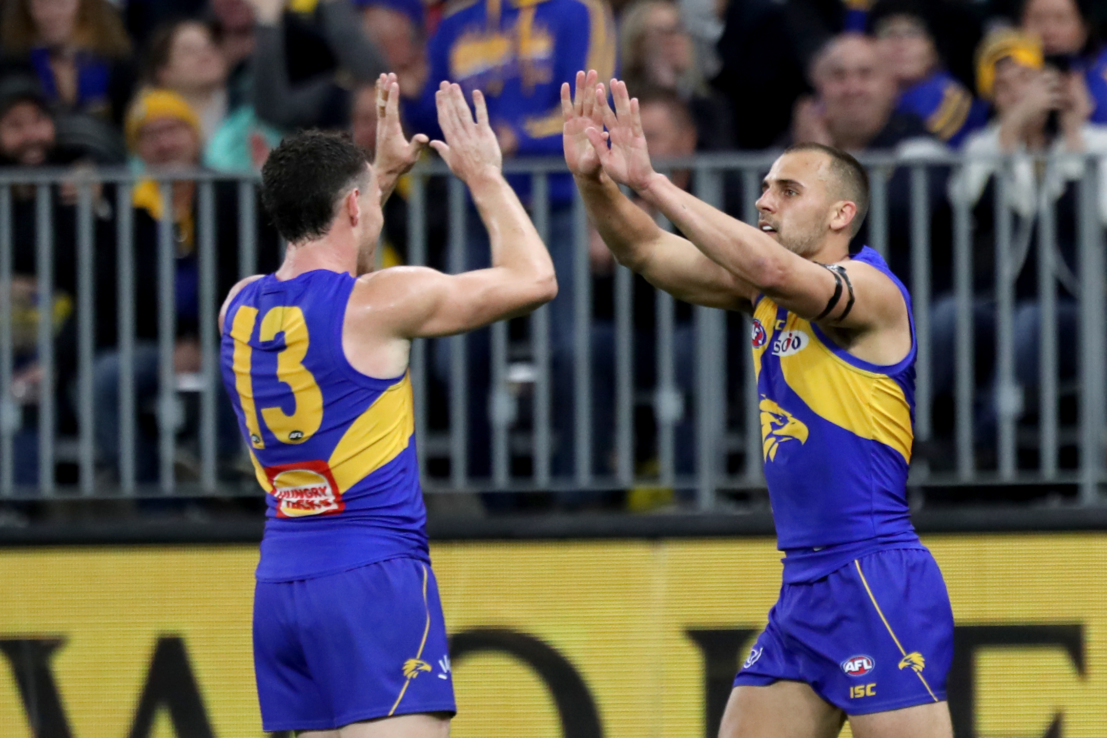 Article image for Eagles win thriller to set up home prelim
