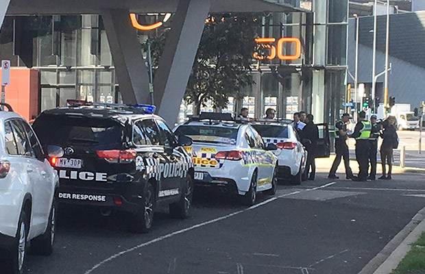Article image for Man in allegedly stolen car flees scene of Docklands smash