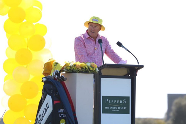 Article image for Crowd gathers for public memorial to honour the life of well-loved golfer Jarrod Lyle