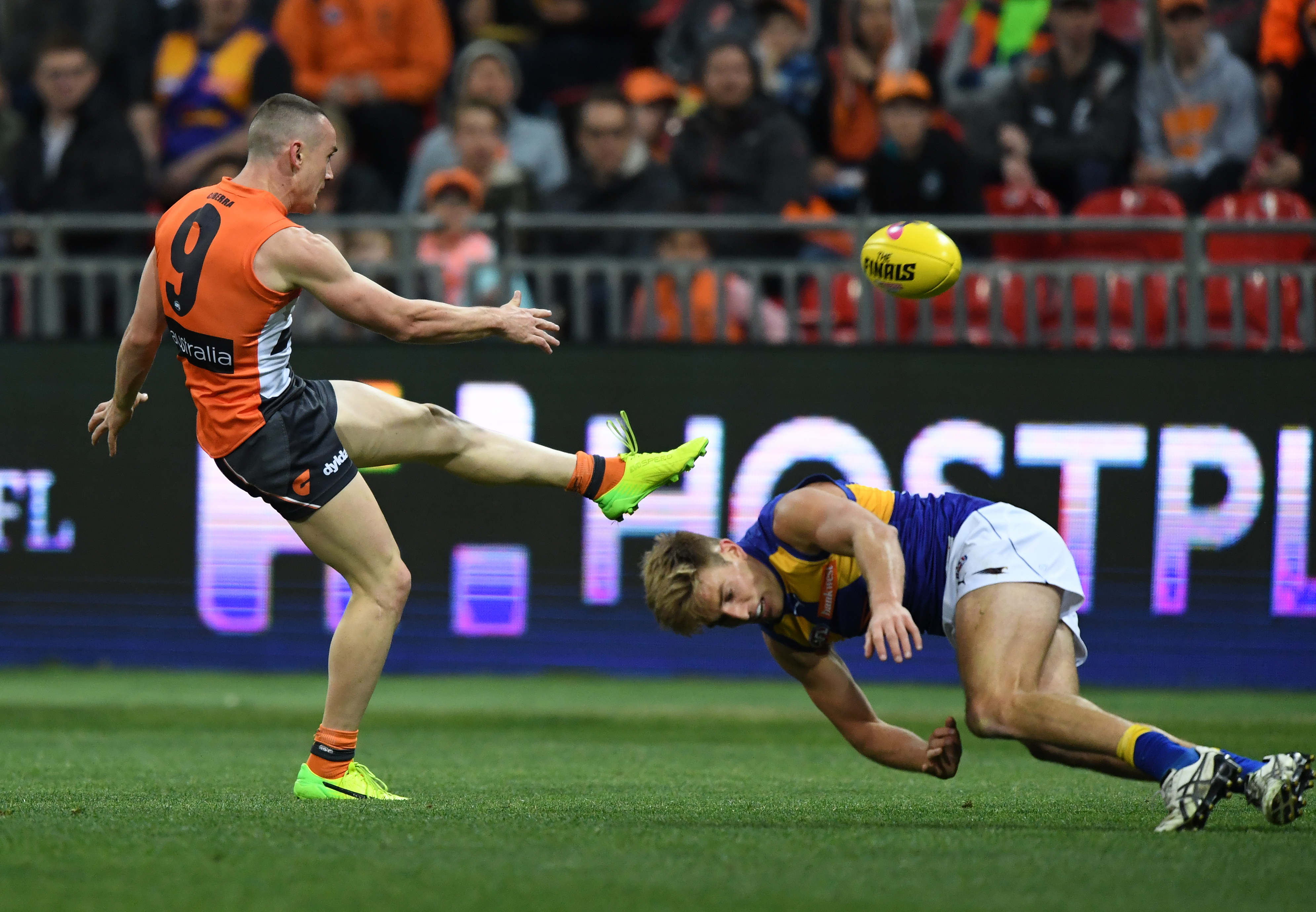 """Article image for The """"serious concerns"""" around Tom Scully's ankle"""
