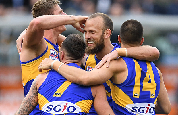 """Article image for Gerard's praise for Eagles defender and the move Lloydy would """"love"""" to know more about"""
