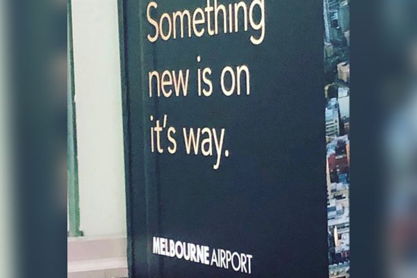 Article image for It's a bad look! The rogue apostrophe on Melbourne Airport signs