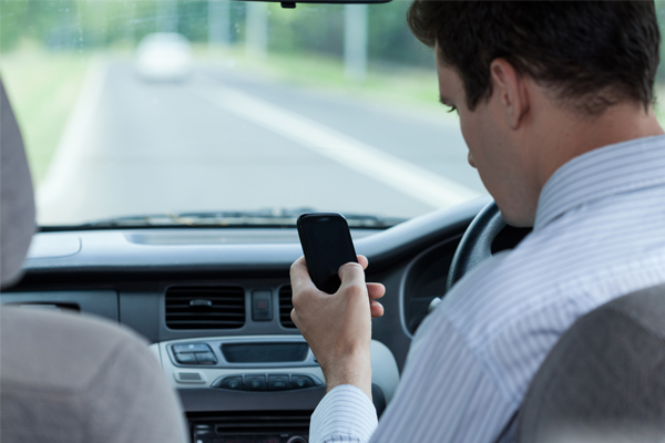 Article image for Drivers distracted 45 per cent of the time behind the wheel