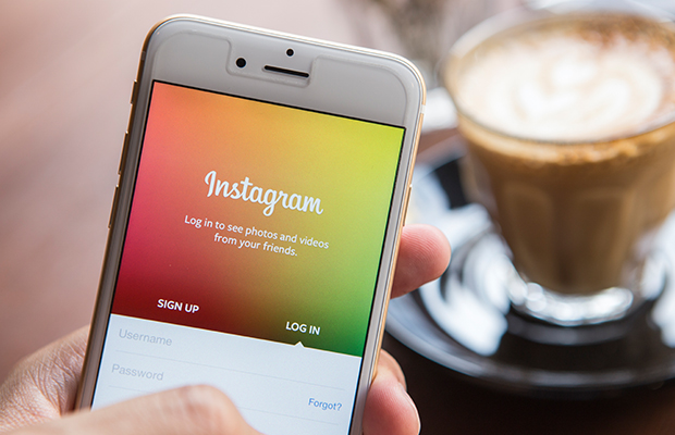 Article image for Instagram crashes, sending the social media world into chaos!