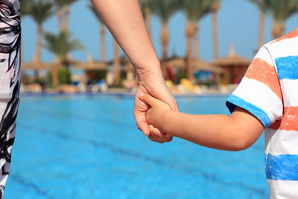 Article image for Parents being urged to put down their phones and watch their children at public pools