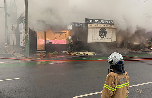 Article image for Hawthorn East fire: Popular Tooronga Rd shops up in the flames
