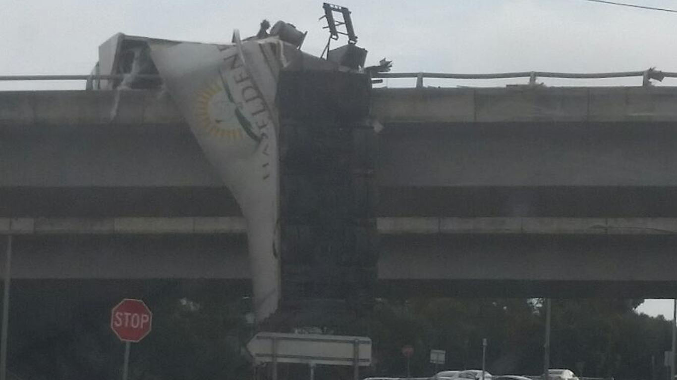 Article image for Word on the Street: Truck spillage forces lane closure on Calder Freeway