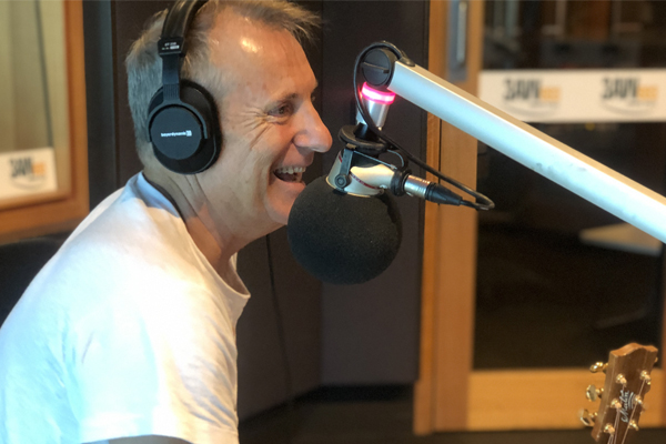 James Reyne performs 'Reckless' LIVE in the 3AW studio