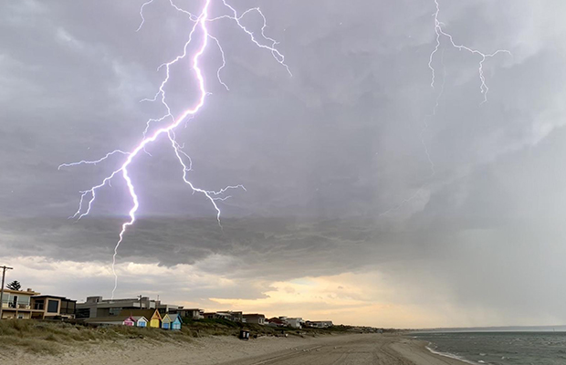 Article image for Severe storms lash Melbourne and surrounds