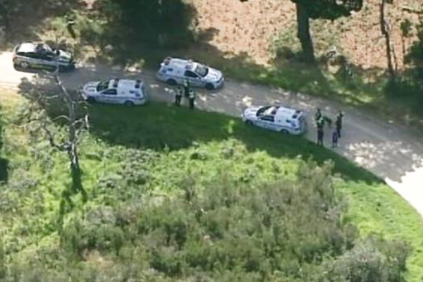 Article image for Police air wing called in after men flee from scene of Tyabb crash