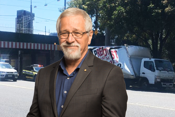 Article image for Neil Mitchell calls in to Denis Walter after truck slams into Montague Street bridge AGAIN