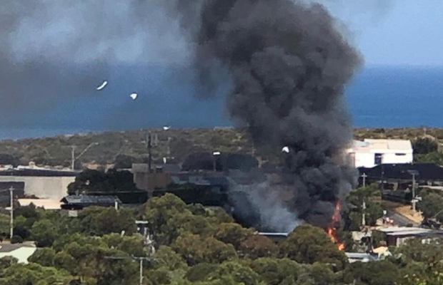 Article image for Jan Juc blaze threatens homes